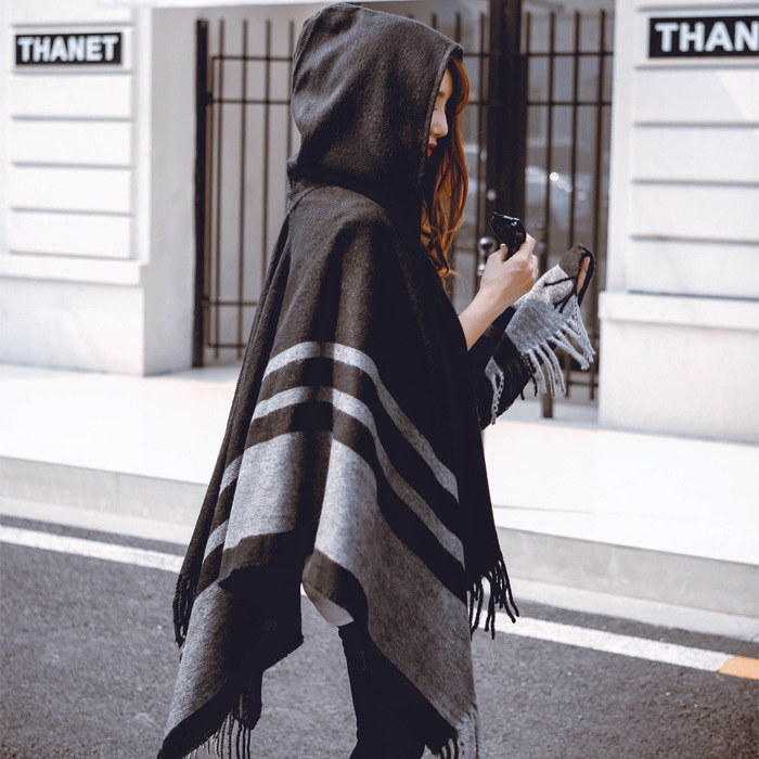 秋冬季女士斗篷披肩 带帽保暖流苏围巾披肩两用加厚超长披肩