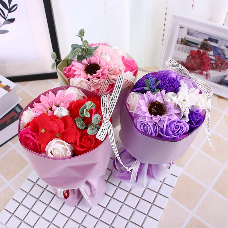 手捧花束玫瑰香皂花结婚庆礼物康乃馨生日礼物三八妇女节礼品