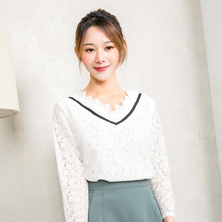 【韩玫玫】新款春装韩版2018女蕾丝V领松紧腰套头上衣