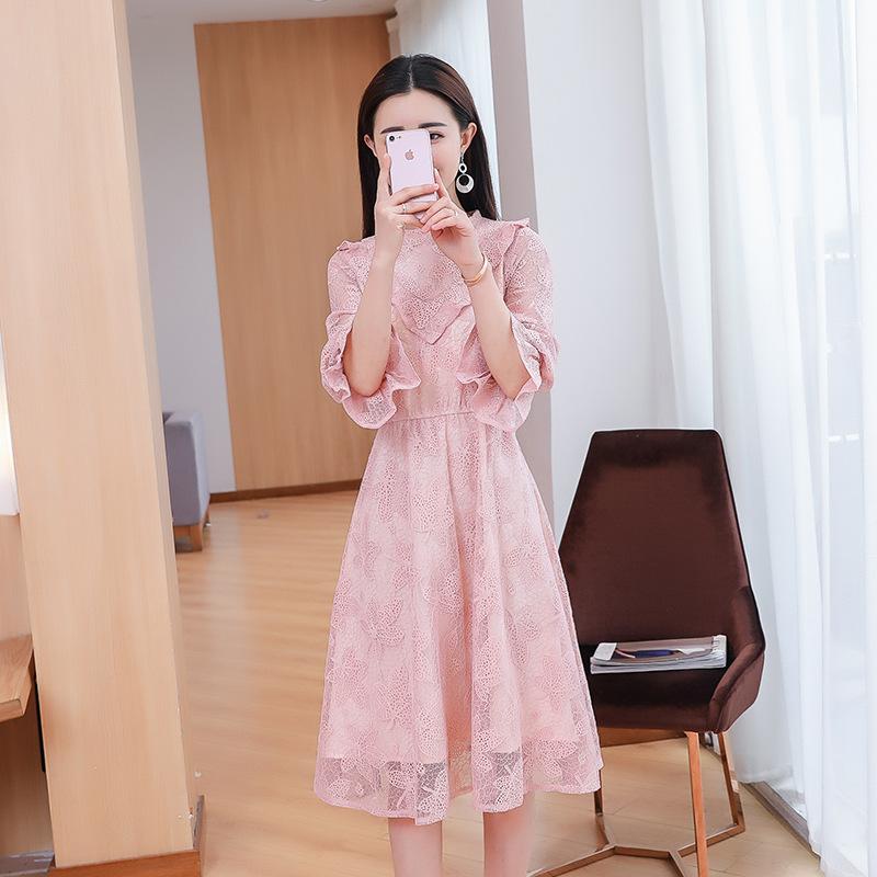 2018春装新款时尚显瘦蕾丝连衣裙女通勤韩版喇叭袖a字裙
